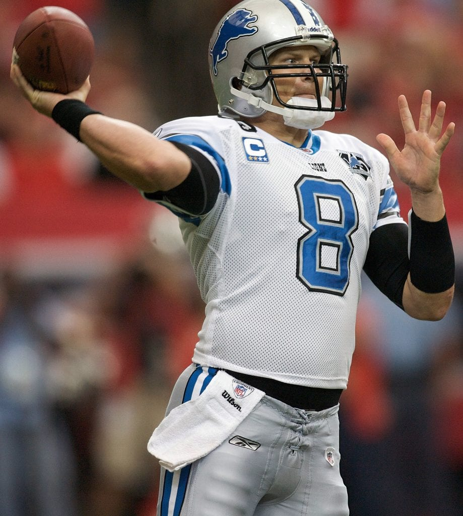Jon Kitna #8 of the Detroit Lions drops back to pass