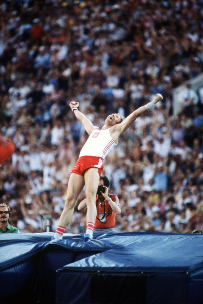Poland's Wladyslaw Kozakiewicz celebrates his winning vault