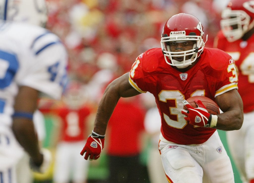 Priest Holmes #31 of the Kansas City Chiefs