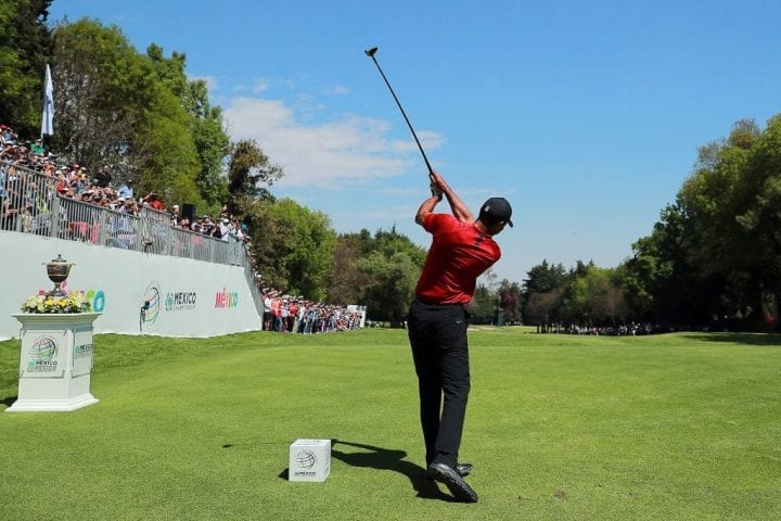 MEXICO CITY, MEXICO - FEBRUARY 24: Tiger Woods of the United States plays his shot from the first tee during the final round of World Golf Championships-Mexico Championship at Club de Golf Chapultepec on February 24, 2019 in Mexico City, Mexico. (Photo by Hector Vivas/Getty Images)