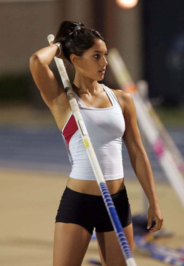 The 'hot pole vaulter' photo that made Allison Stokke go viral