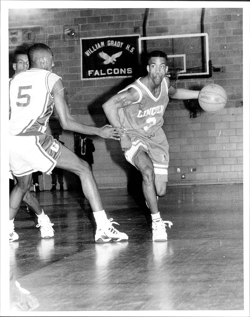 Lincoln High star (3) Stephn Marbury moves the ball with authoriy enroute to a Lincoln High win over Grady High. December 13, 1994