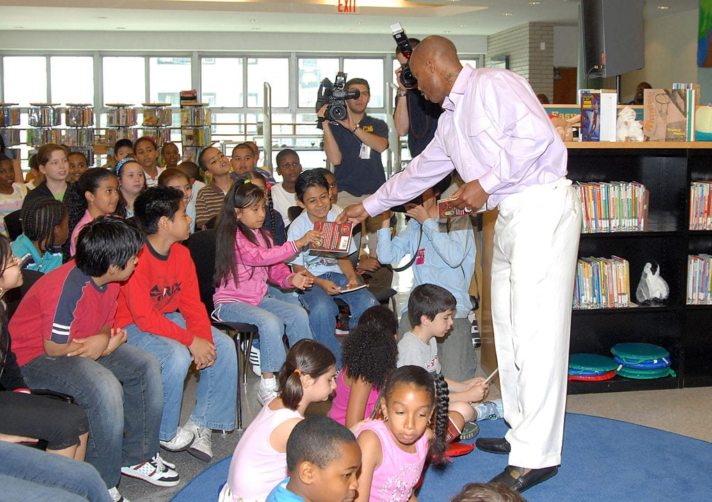 Stephon Marbury at the Brooklyn Public Library to annouce his gift of $10,000 for the F-R-E-E Summer Reading program.
