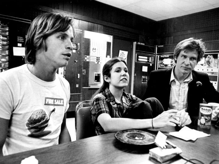 Mark-Hamill-Carrie-Fisher-Harrison-Ford