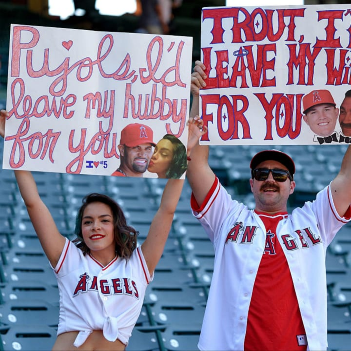 Funny baseball signs