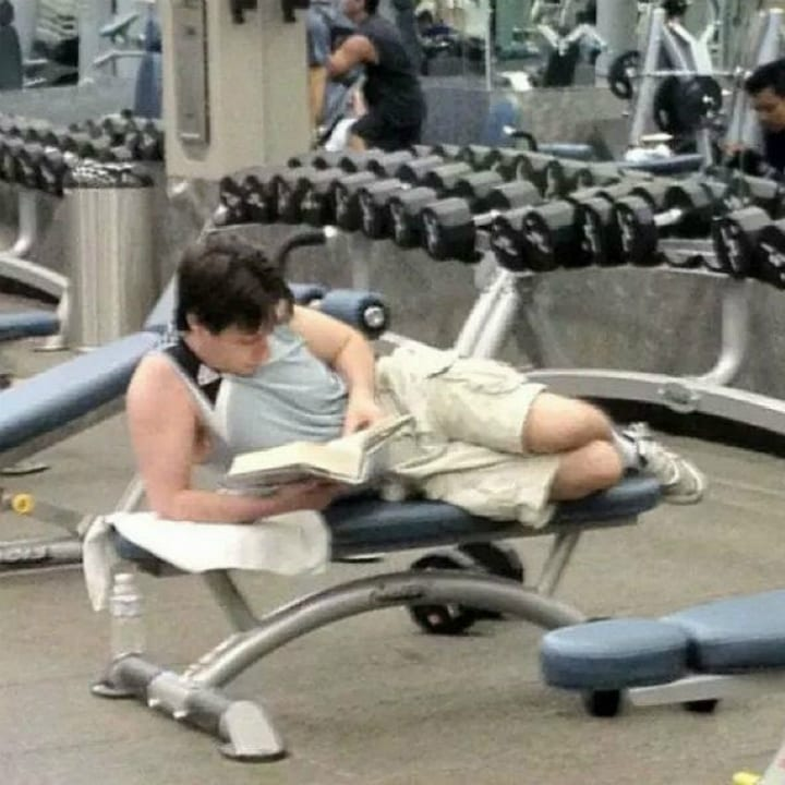Funny gym pic reading